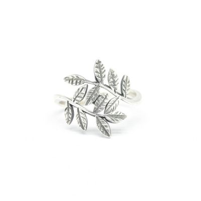 Whispering Leaves Ring [Sterling Silver]